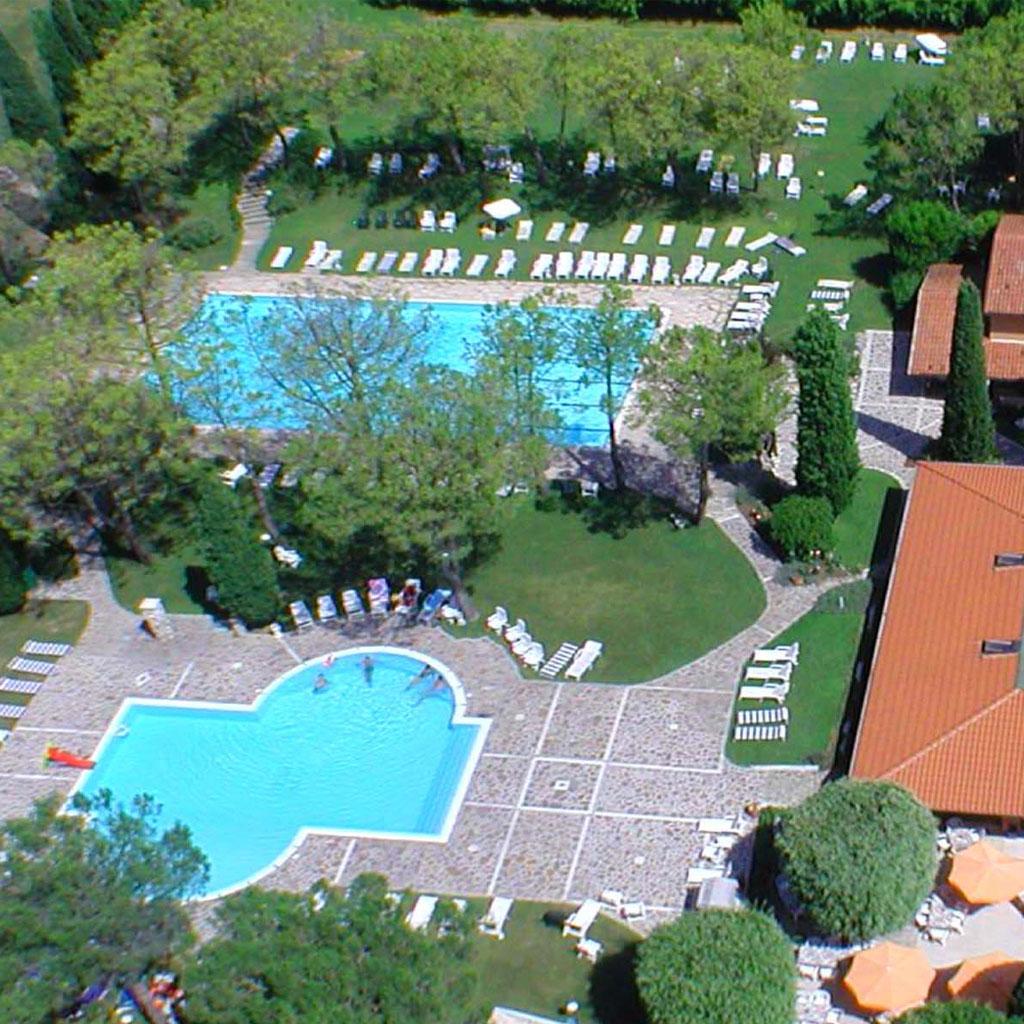 piscina-west-garda