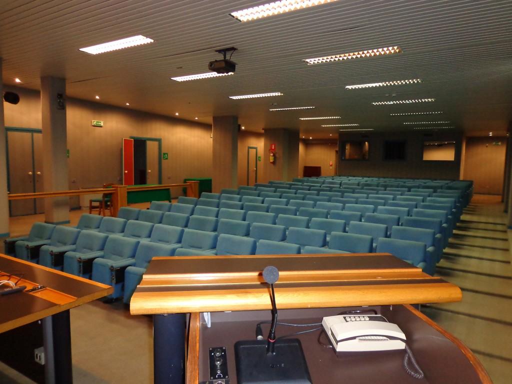Dimensioni Sala Conferenze 100 Posti.West Garda Business Hotel Sale Meeting Lago Di Garda